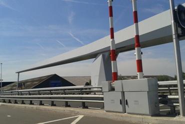 Binnen 'enkele maanden' krijgt de brug zijn opschrift  'Gouderaksebrug'.