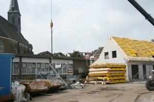 Beeld van een paar weken geleden: het Baken verdwijnt achter de nieuwe woningen van de WSG.