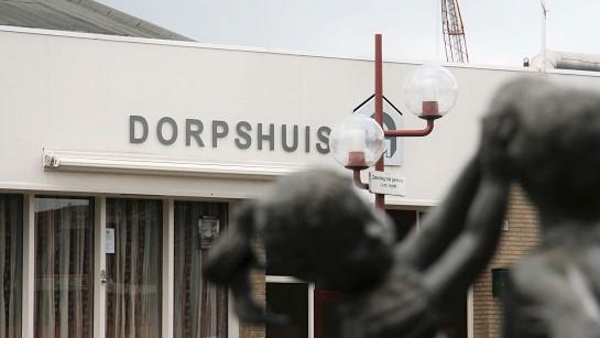 Dorpshuis of seniorenappartementen aan het Johan Brouckplein?